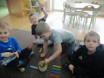 Nauka poprzez zabawę w grupie IV