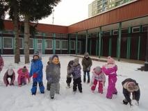 Zabawy zimowe grupie III, IV i V