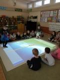 Zabawy ruchowe na magicznym dywanie - grupa III
