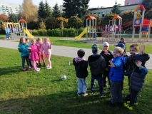 Zabawy w ogrodzie grupy IV