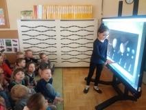 Zajęcia z monitorem interaktywnym w grupie IV